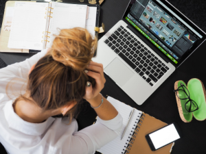 vrouwen-werken-minder-geld